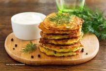 Yogurt With Vegetable Fritters (Kardhi Pakora)